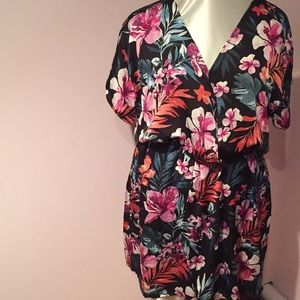 NWT Tropical Flower faux Wrap dress